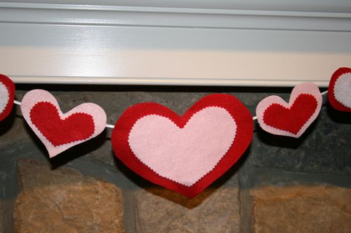 photo: homemade Valentine's Day felt heart banner