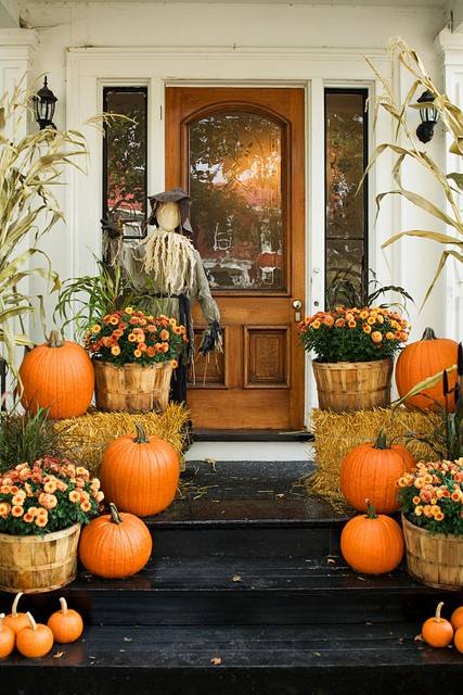 Push Pin Fridays - Fall Entryway Decor - Plaid + Dots