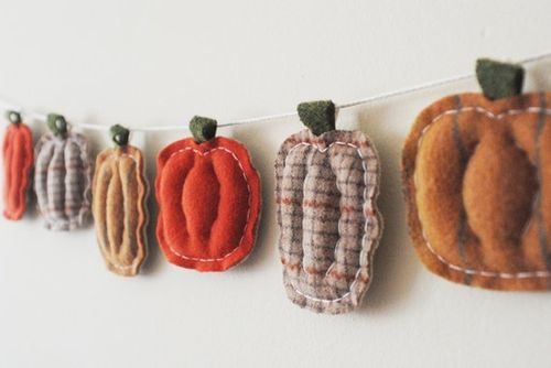 photo: pumpkin garland